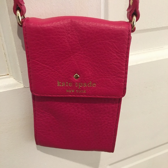 Kate Spade Handbags - Kate Spade Larchmont Avenue Smart Phone Wallet
